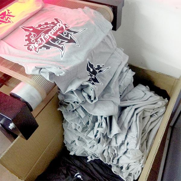 Salida de camisetas del túnel